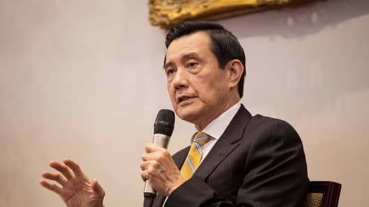 "Former Taiwan President Ma Ying-Jeou at a news conference at the presidential palace in Taipei, Taiwan, on Monday, May 18, 2015. A travel ban preventing him from visiting China-backed Hong Kong by the new government has drawn the ire of the opposition party, calling the ban ""surppressive""."
